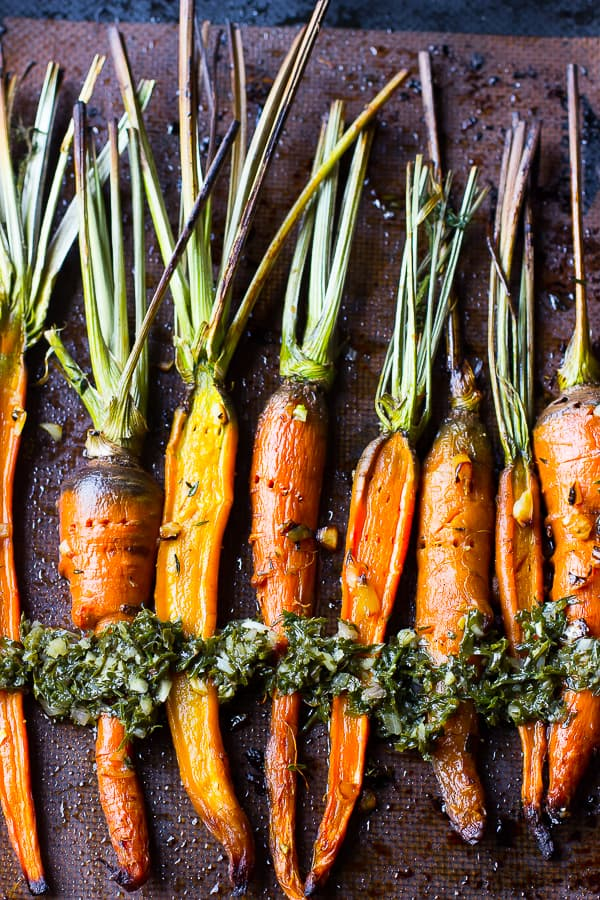 These maple garlic roasted carrots are incredibly tender bursting with flavour 3