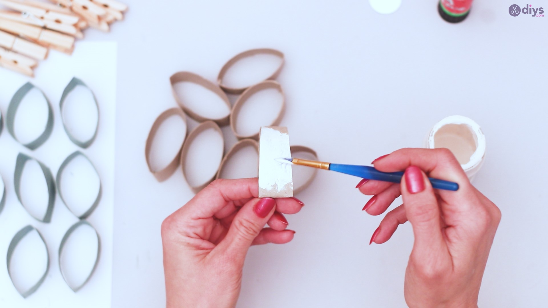 Toilet paper roll wall decor diy project (12)