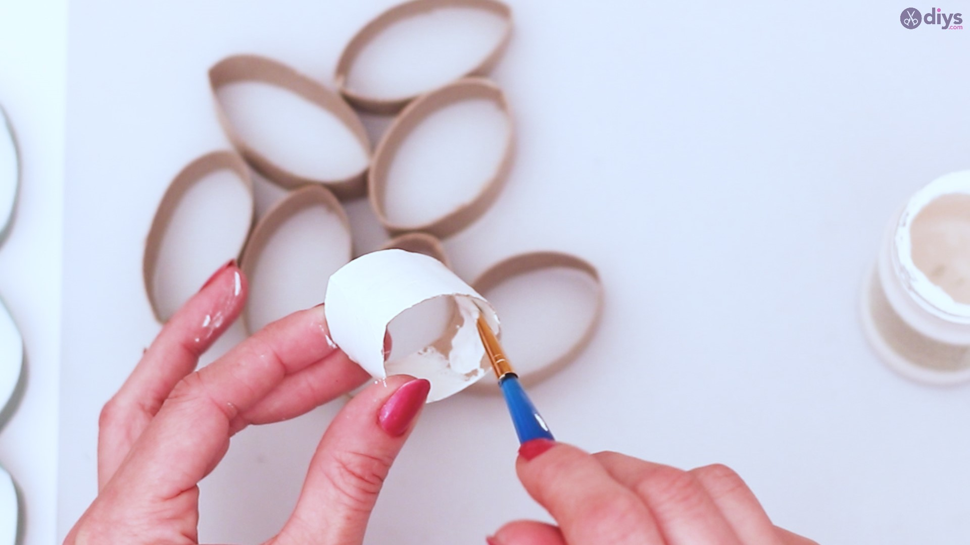 Toilet paper roll wall decor diy project (13)