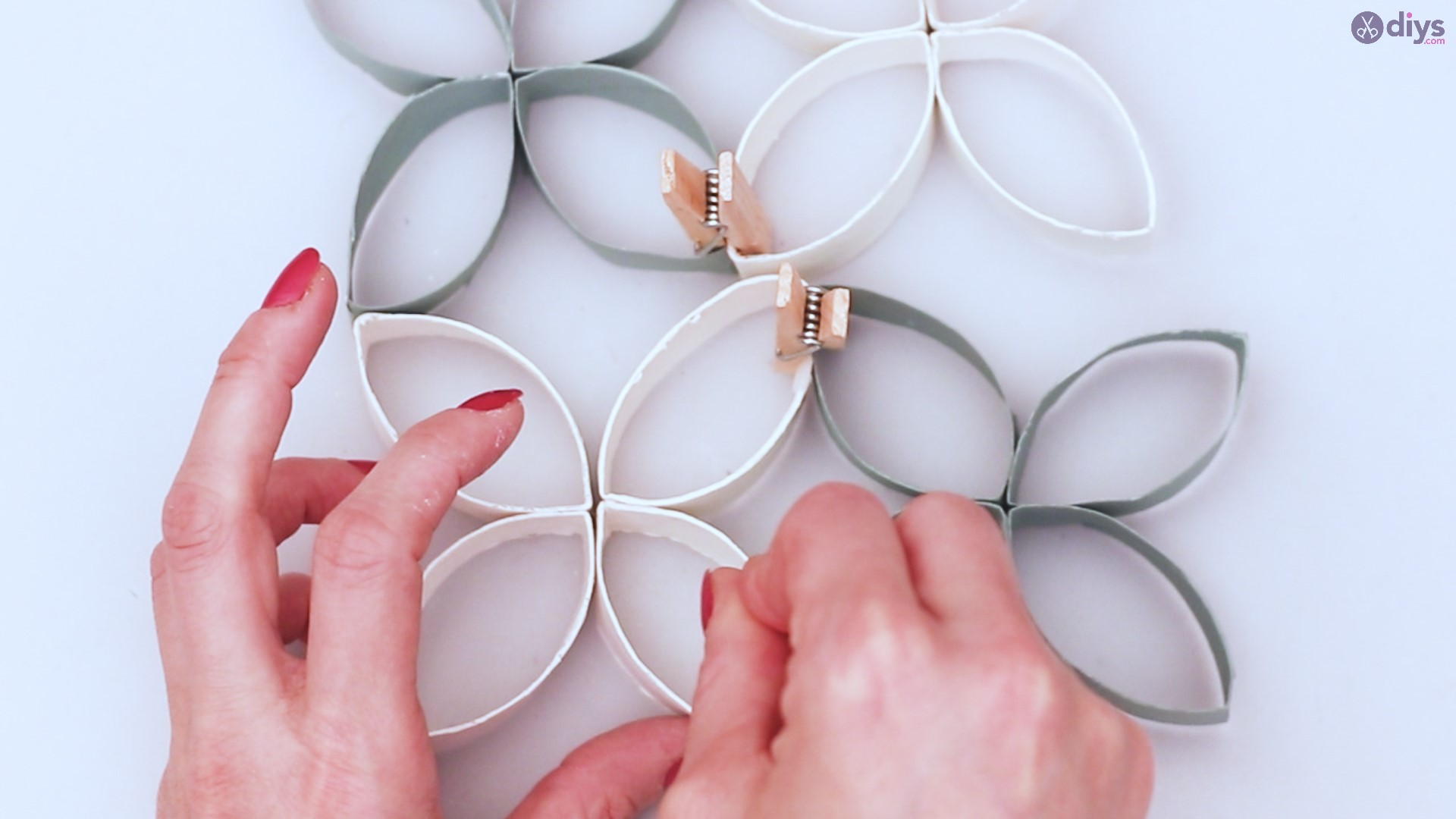 Toilet paper roll wall decor diy project (42)