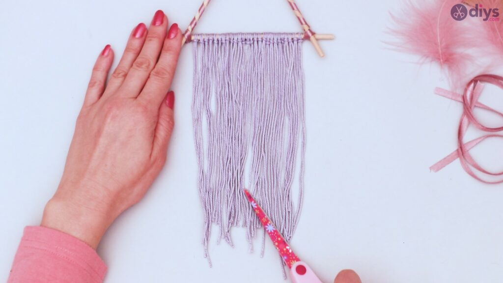 Triangle dreamcatcher diy project step 1 (30)