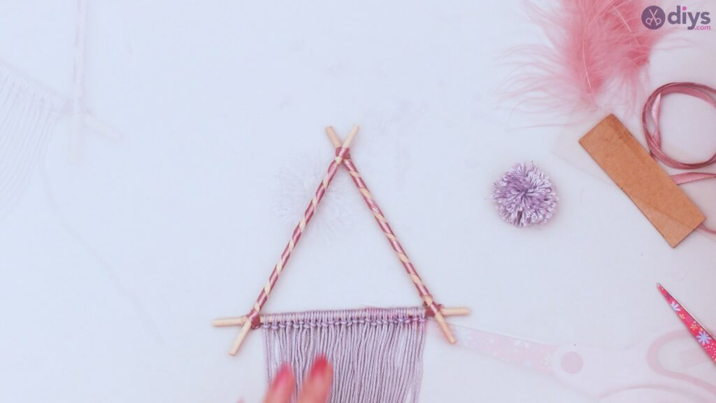 Triangle dreamcatcher diy project step 1 (41)