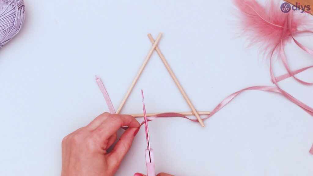Triangle dreamcatcher diy project step 1 (7)
