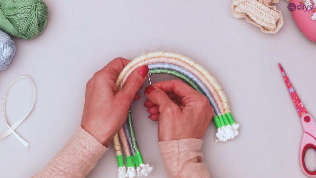 Yarn rainbow wall decor diy project (45)