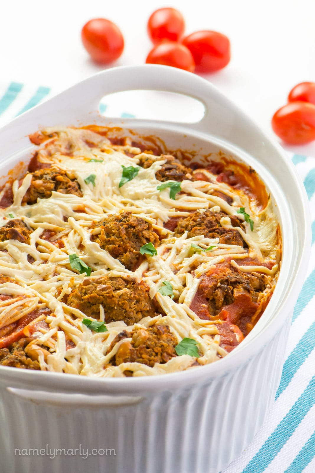 Spaghetti squash chickpea meatballs
