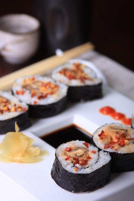 Spicy mushroom roll