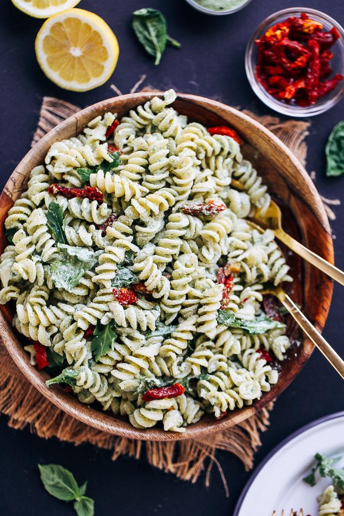 Creamy hemp pesto pasta salad