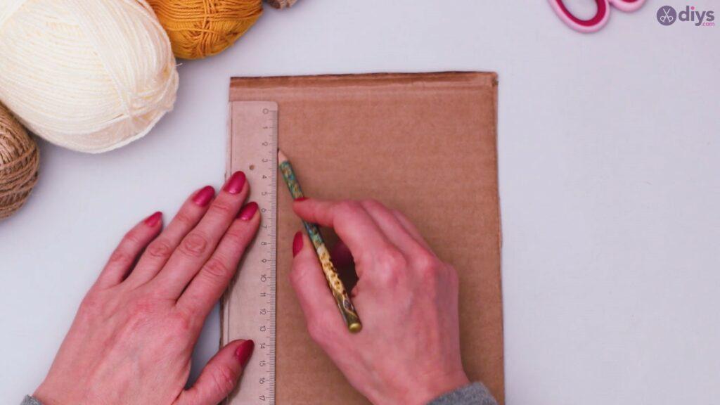 Diy yarn letter step by step craft (1)