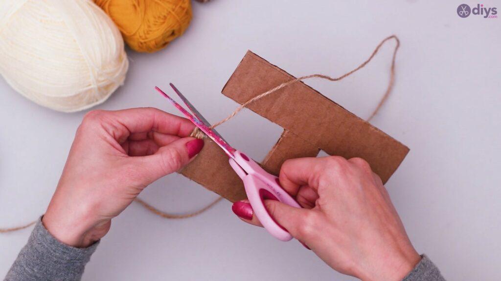 Diy yarn letter step by step craft (13)