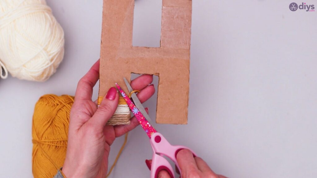 Diy yarn letter step by step craft (23)