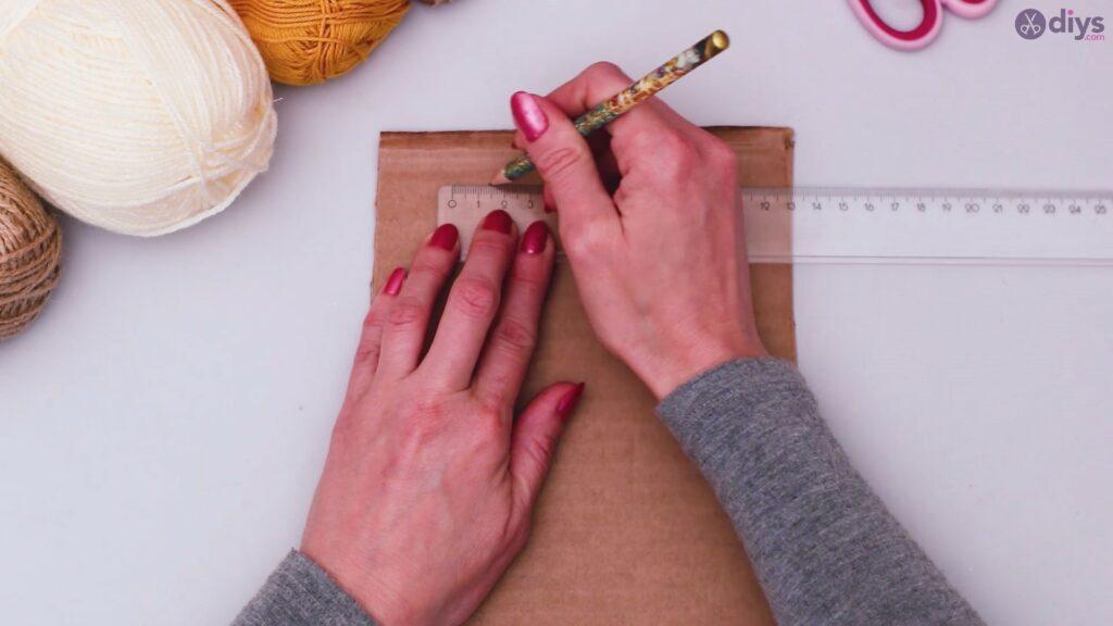 Diy yarn letter step by step craft (3)