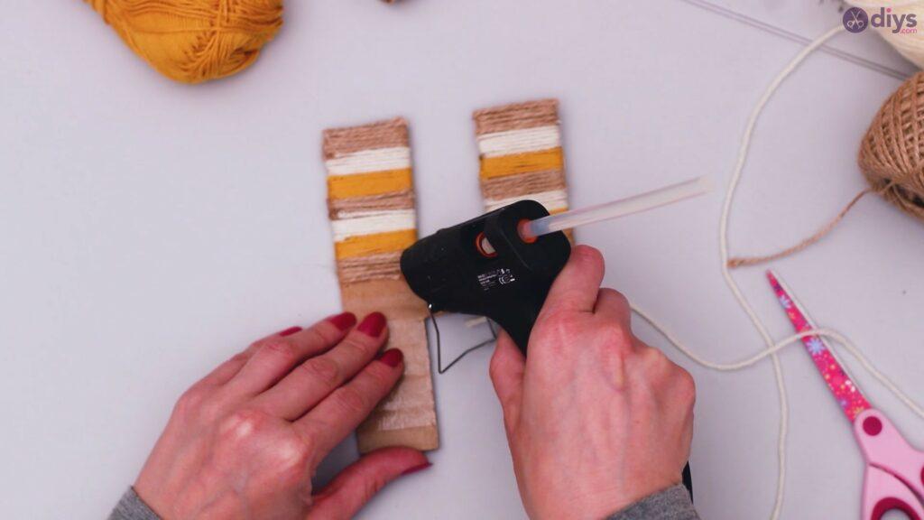 Diy yarn letter step by step craft (30)