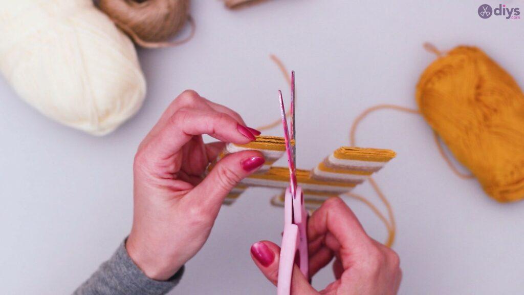 Diy yarn letter step by step craft (40)