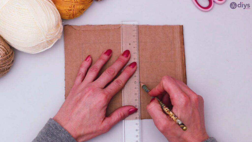 Diy yarn letter step by step craft (6)