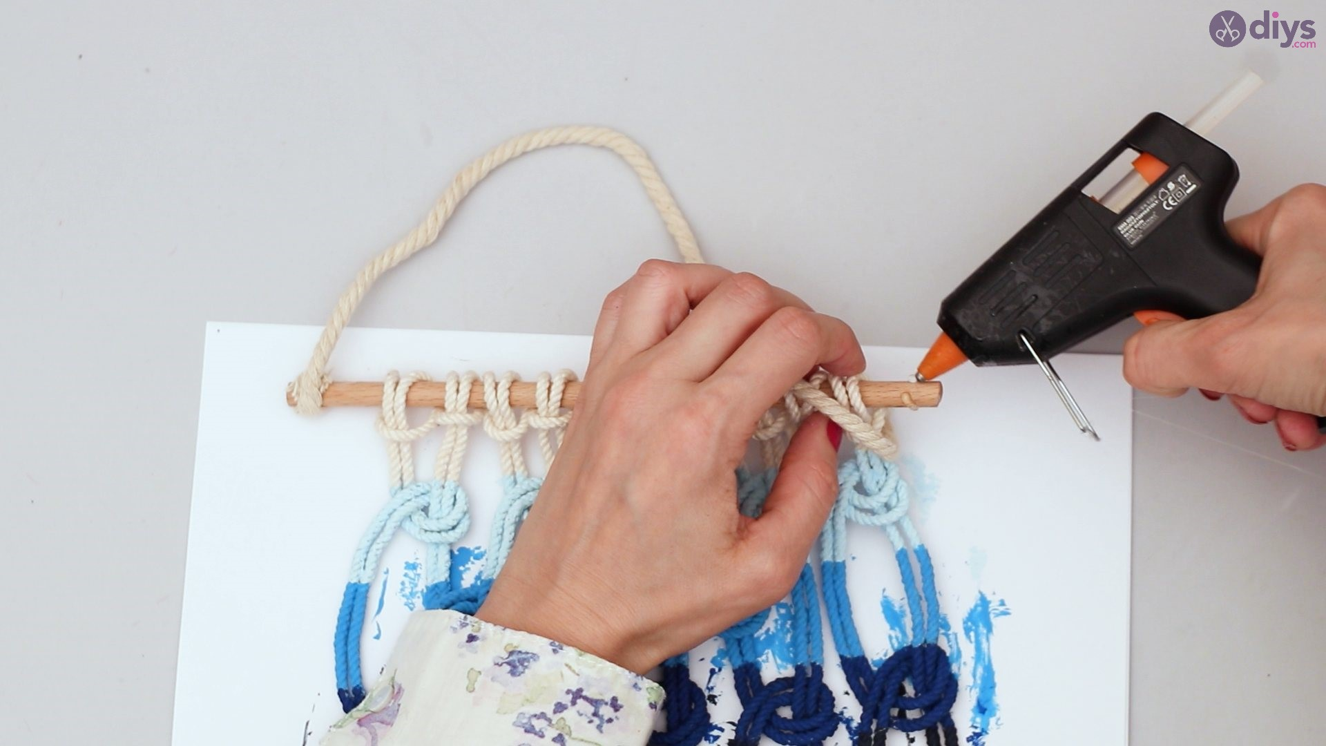Ombre macrame wall hanging (43)