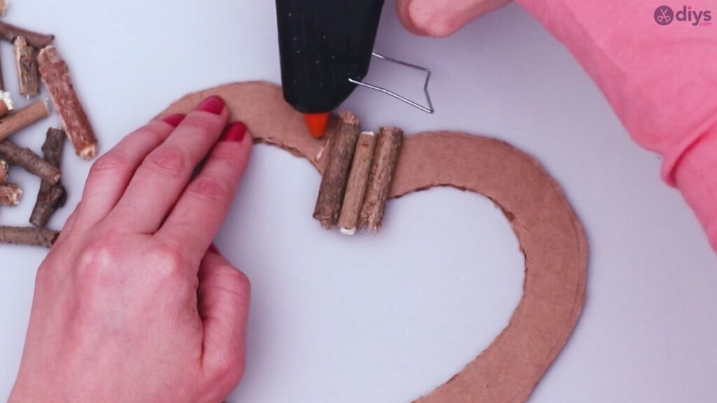 Rustic twig heart wall art (15)