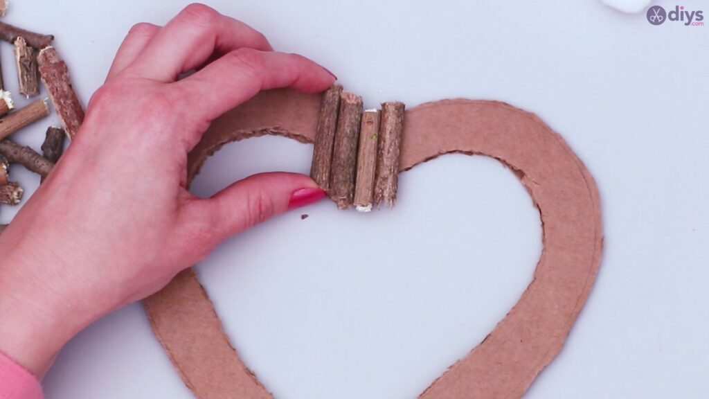 Rustic twig heart wall art (18)