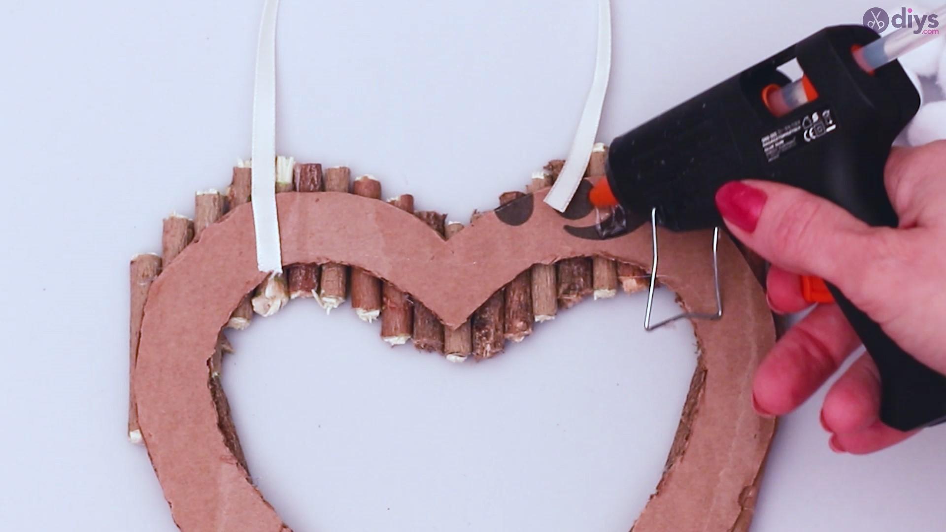 Rustic twig heart wall art (35)
