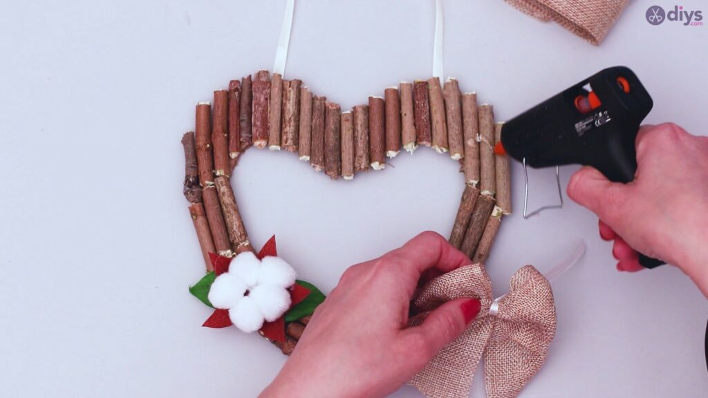 Rustic twig heart wall art (60)