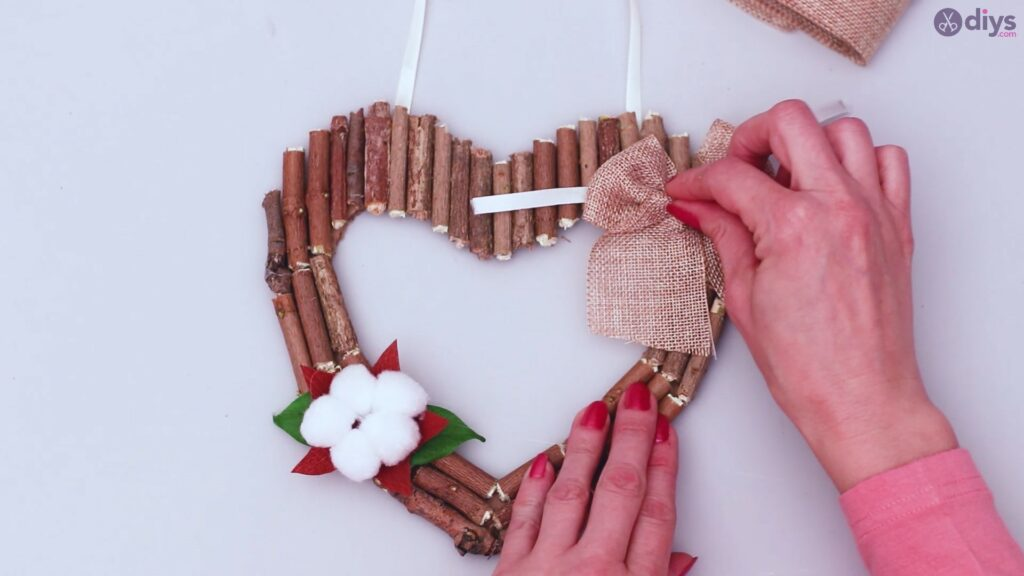 Rustic twig heart wall art (61)