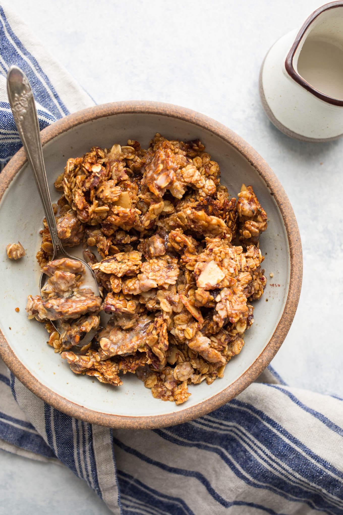 Maple date granola