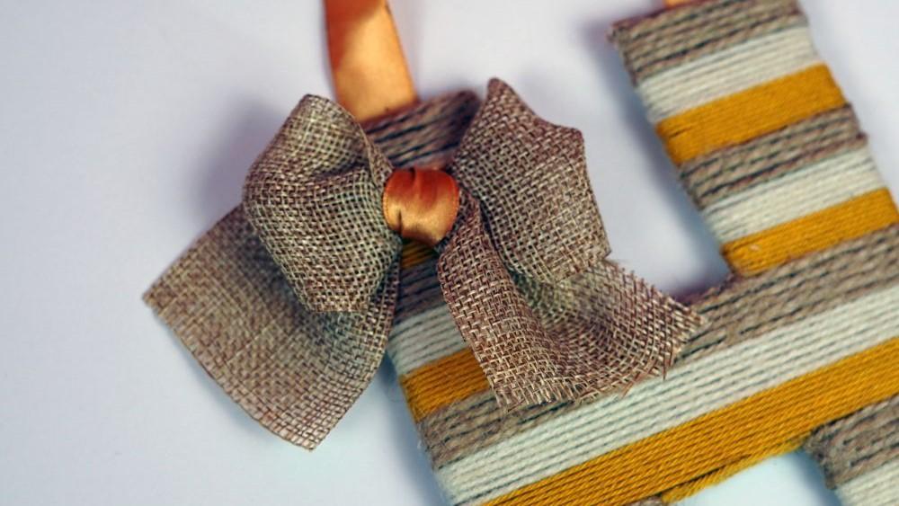 Simple yarn letter