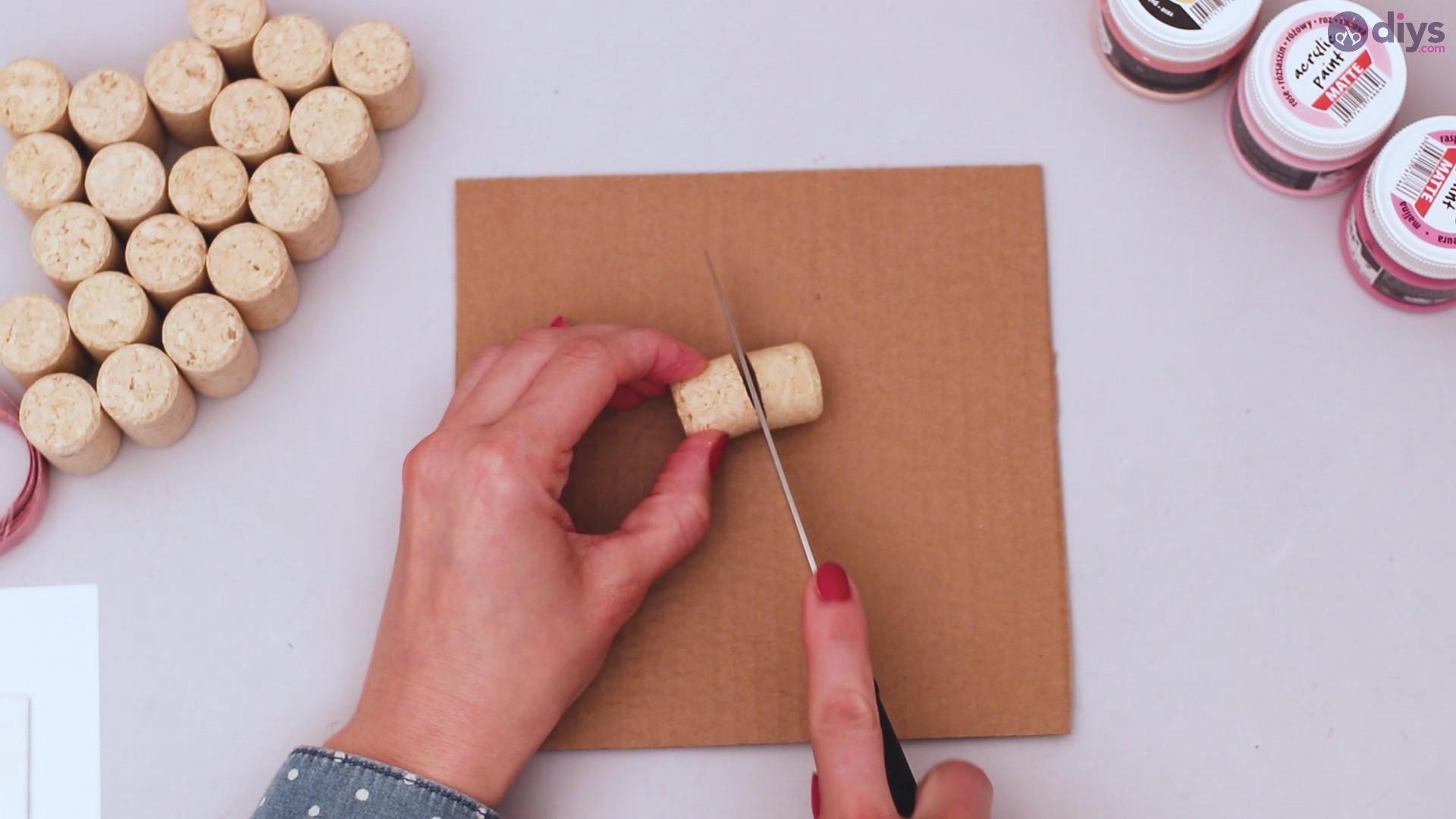 Wine cork heart wall hanging (4)