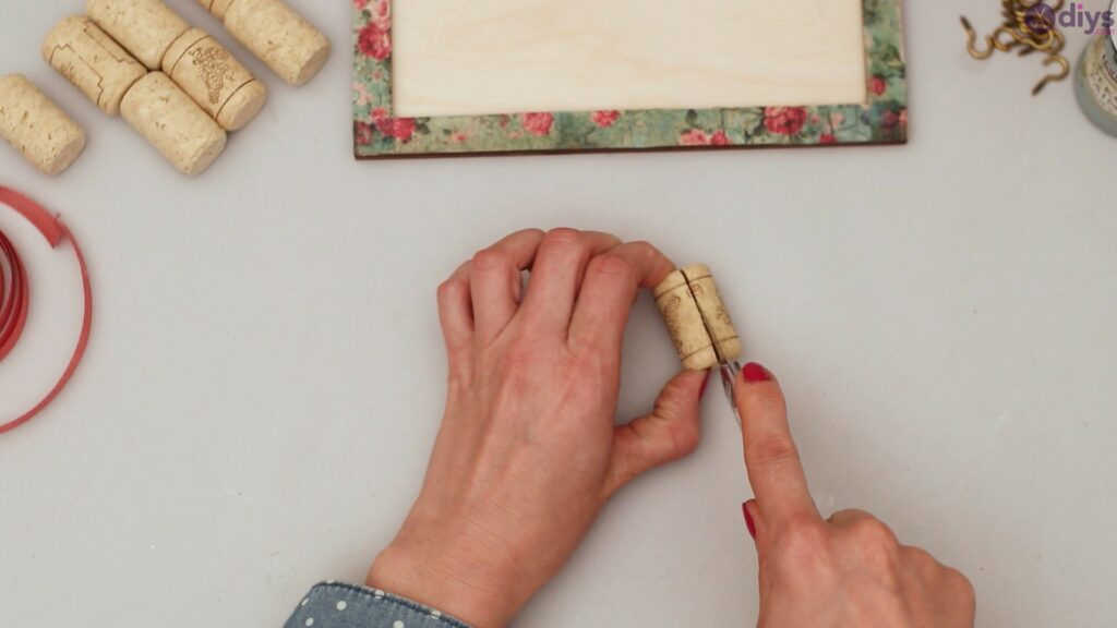 Wine cork jewelry organizer (15)