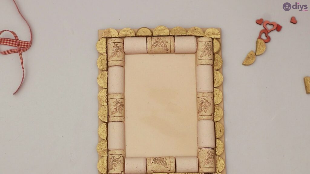 Wine cork photo frame (48)