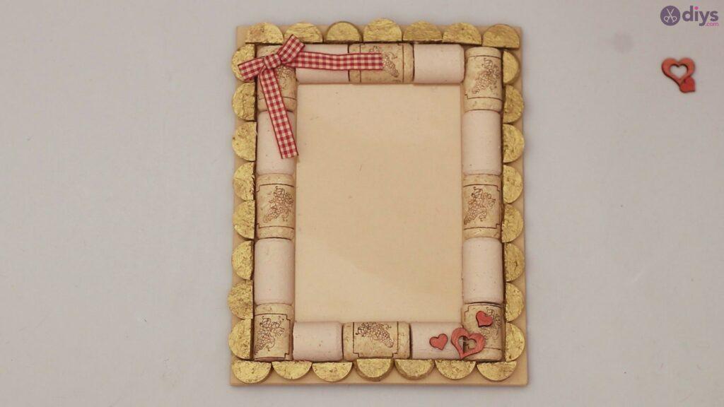 Wine cork photo frame (68)