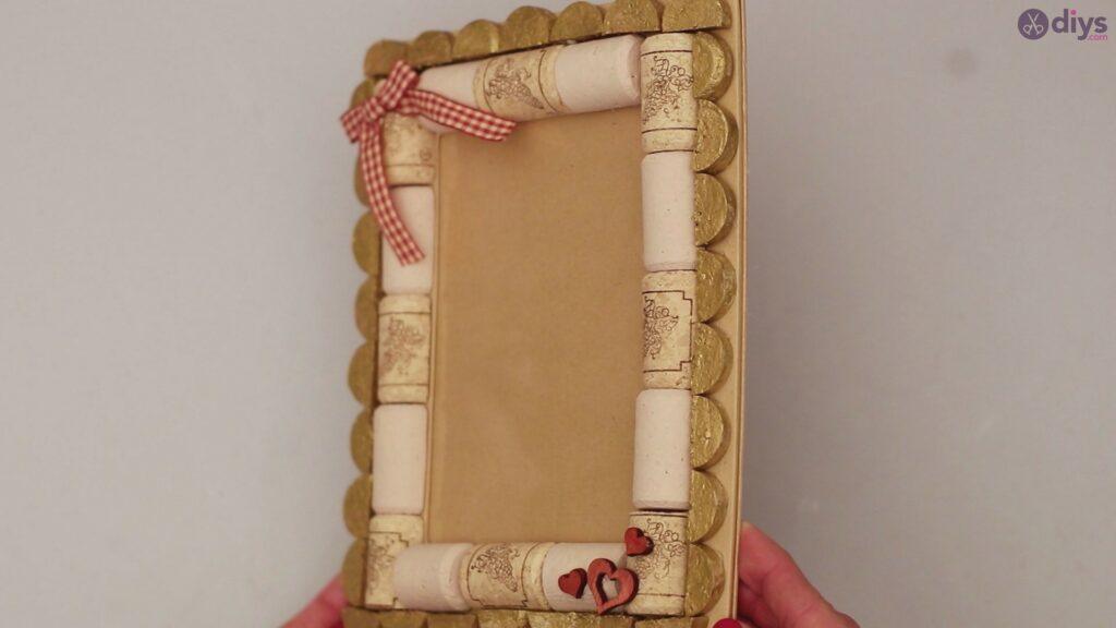Wine cork photo frame (70)