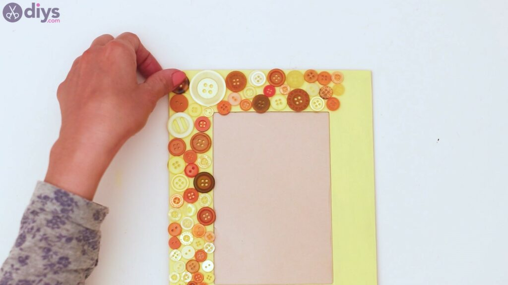 Button picture frame steps (11)
