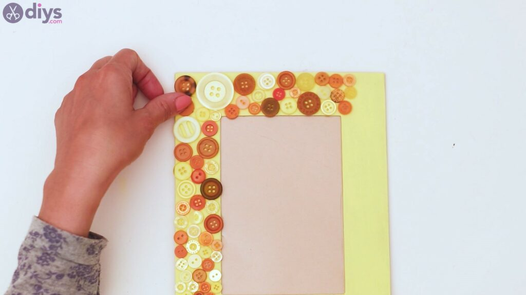 Button picture frame steps (13)
