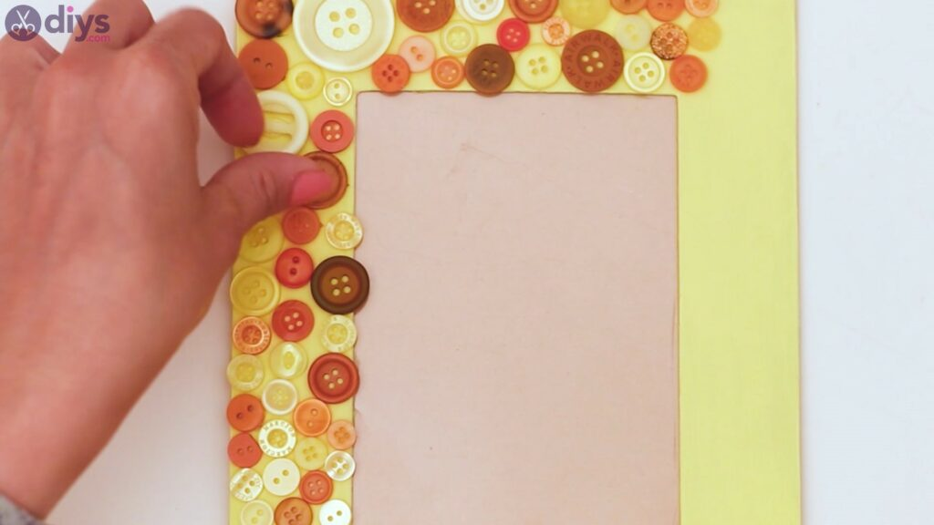 Button picture frame steps (15)