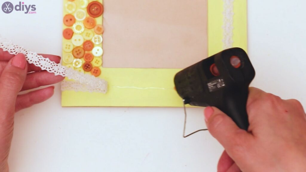 Button picture frame steps (36)