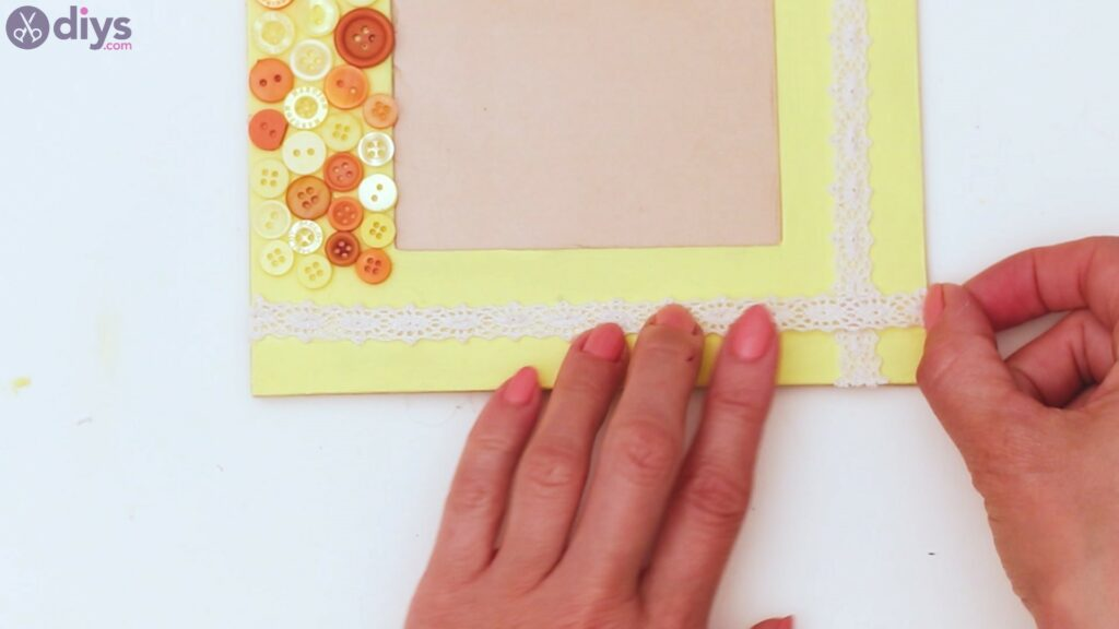 Button picture frame steps (37)