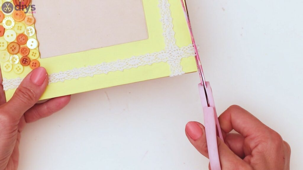 Button picture frame steps (38)
