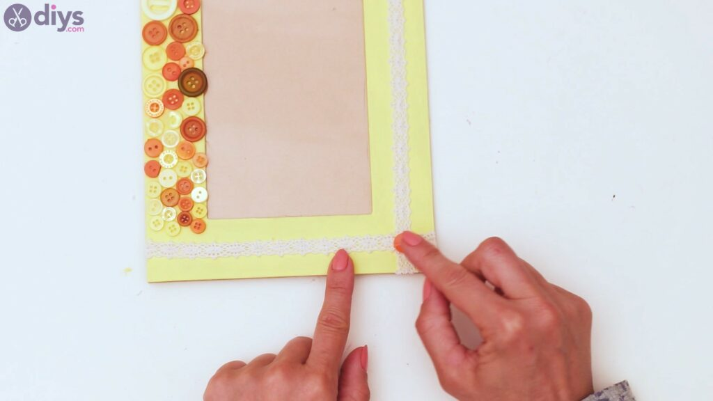 Button picture frame steps (40)