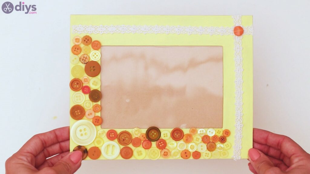Button picture frame steps (41)
