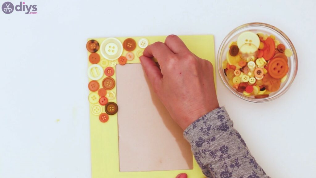 Button picture frame steps (8)