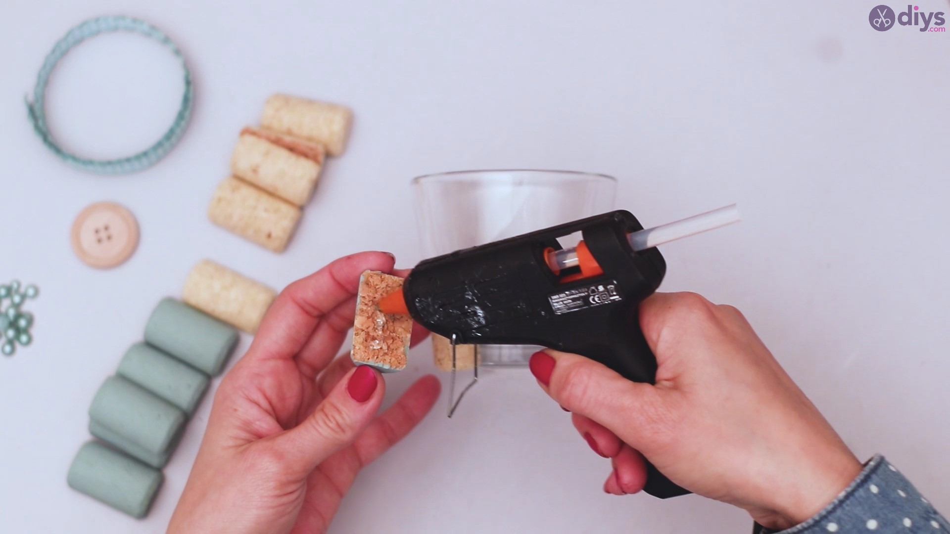 Diy wine cork candle holder (12)