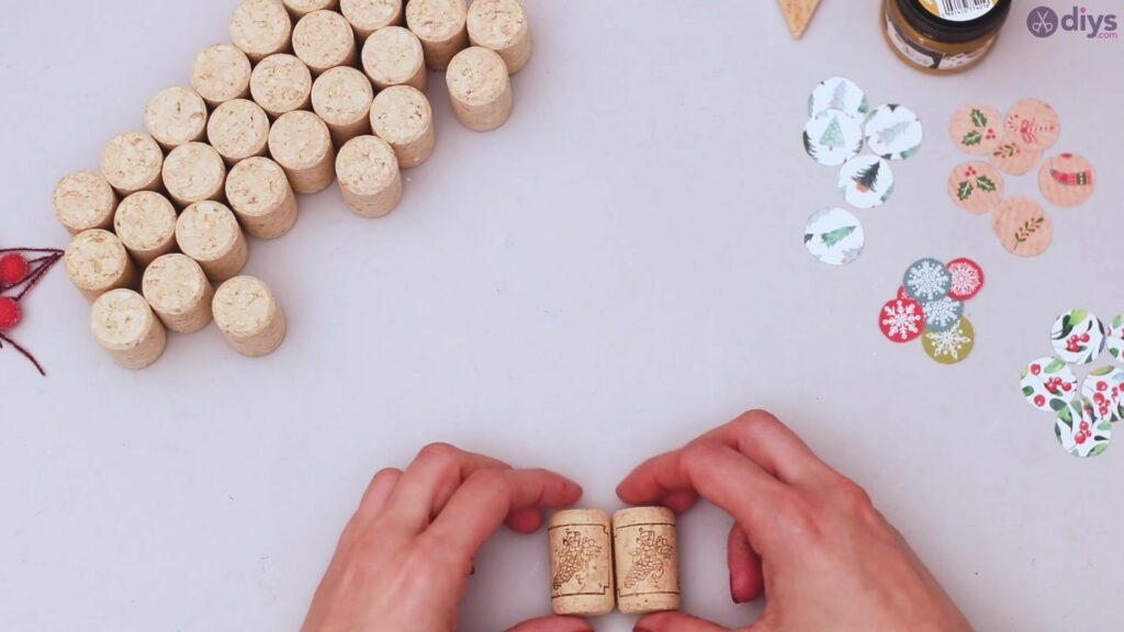 Diy wine cork christmas tree (17)