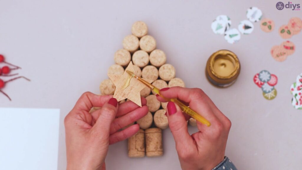 Diy wine cork christmas tree (21)