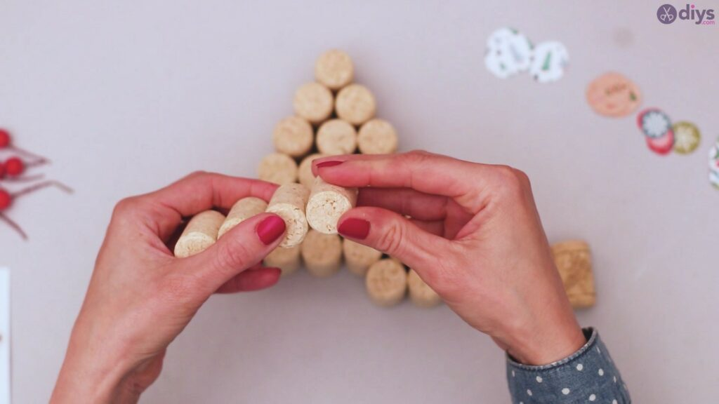 Diy wine cork christmas tree (27)