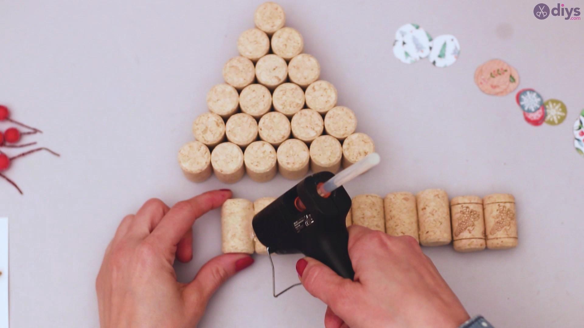 Diy wine cork christmas tree (28)