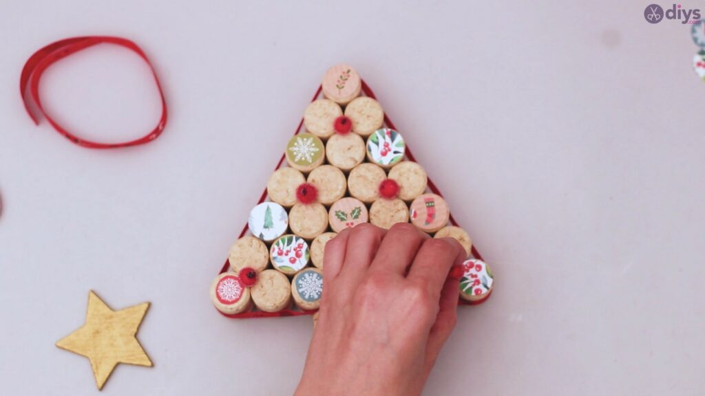 Diy wine cork christmas tree (54)