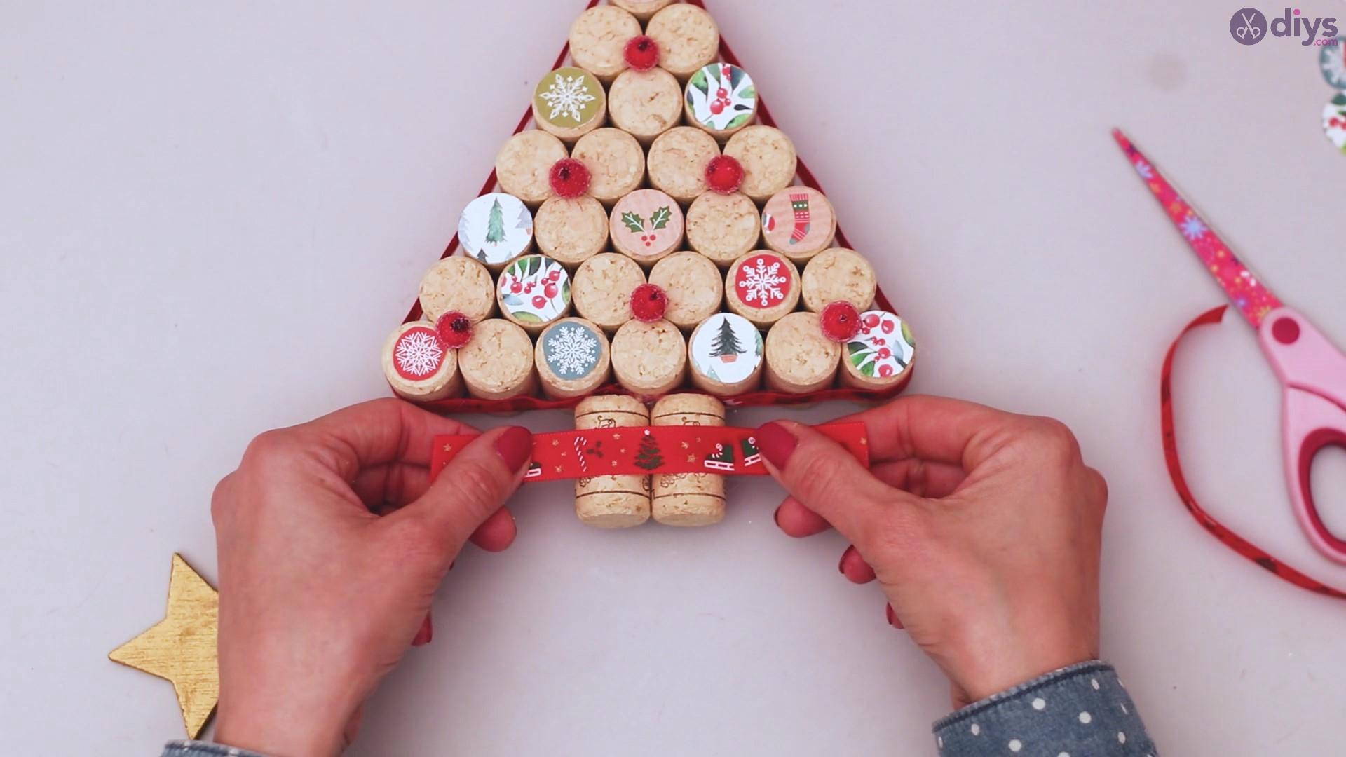 Diy wine cork christmas tree (56)