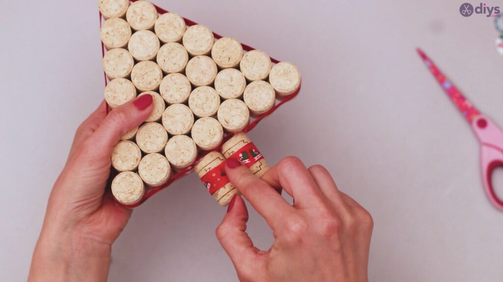 Diy wine cork christmas tree (58)