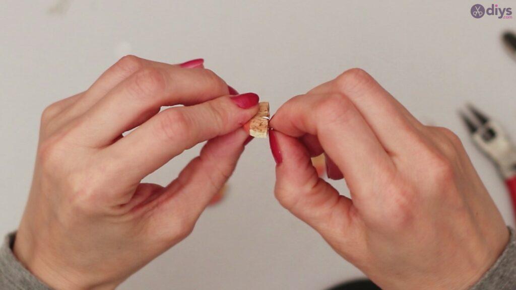 Diy wine cork earring (42)