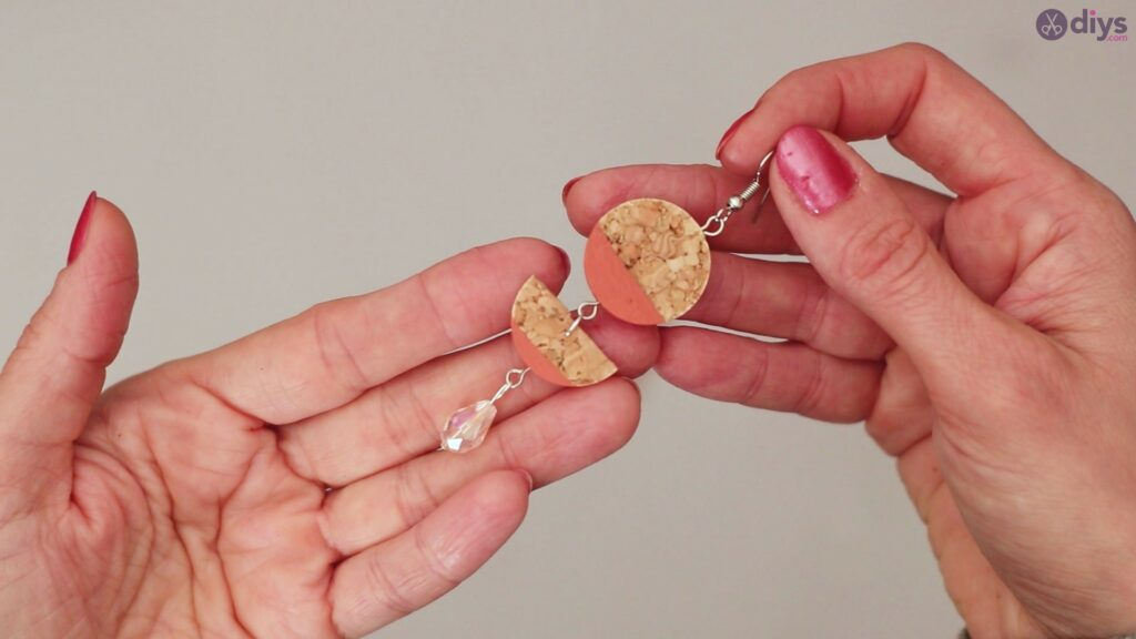 Diy wine cork earring (60)
